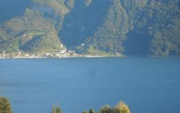 Lovere - Vista da lunga distanza - Lago Iseo